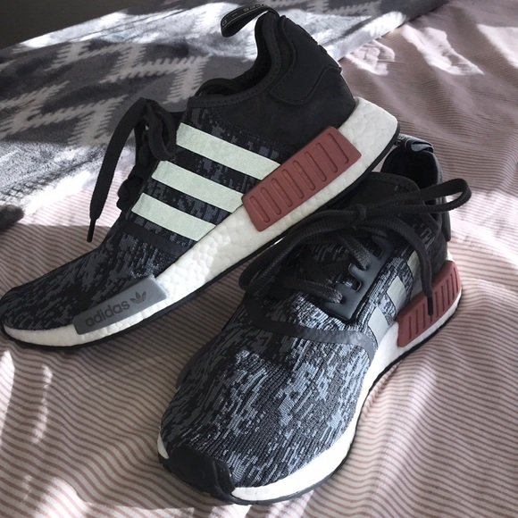 Adidas NMD R1 Heather Grey Raw Pink